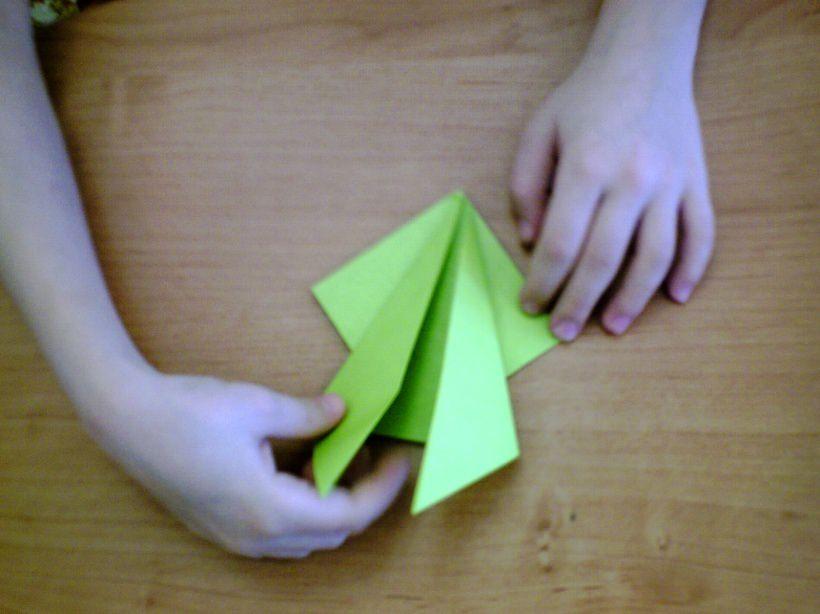 Кобитина работа с бумагой поделки и игры